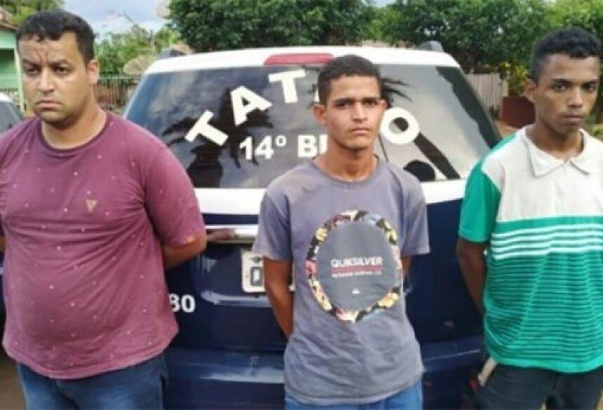 Na ação foram presos Rafael Ferreira Batista, morador de Deodápolis, Roberson Lucas Rodrigues Alves, morador em Caarapó e Wellington Cicero da Silva, de Fátima do Sul  Imagem: Divulgação