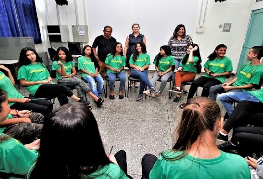 Roda de Conversa no E.E Olinda Conceição Teixeira Bacha - Foto Saul Schramm