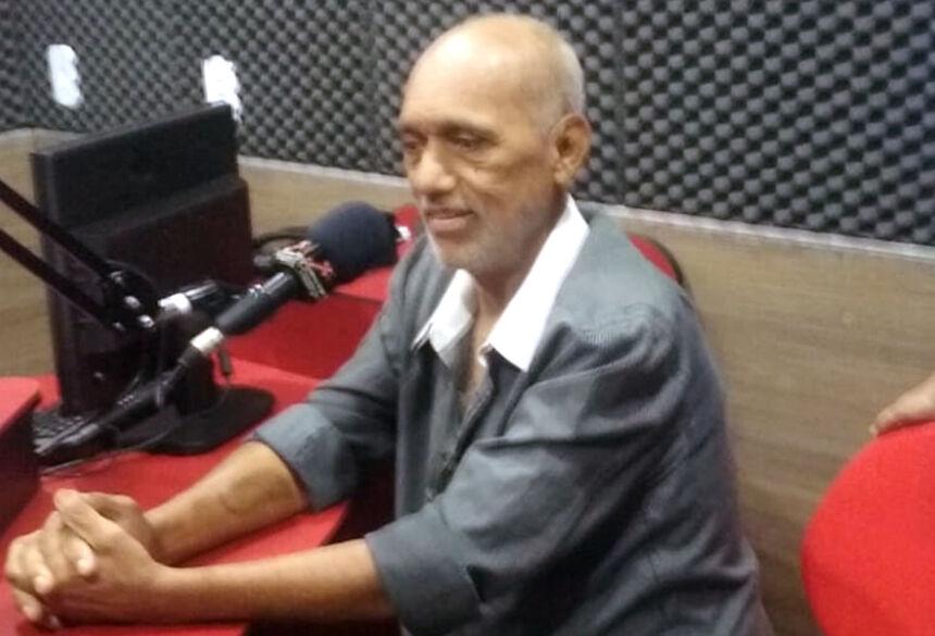 Lourival em uma de suas últimas visita a rádio Kativa FM em Rio Brilhante