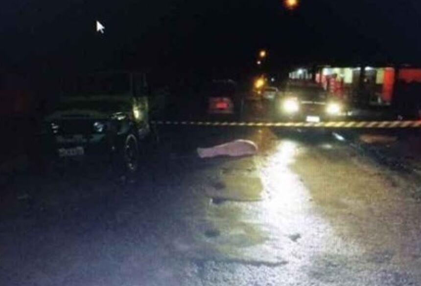 Testemunhas disseram aos policiais que Vilton trafegava em alta velocidade pela via.
