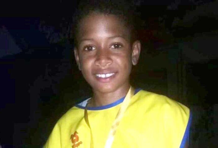 Wender Santos / Redes sociaisSuspeita é de que garoto tenha sido eletrocutado pelo celular na tomadaFonte: Último Segundo - iG