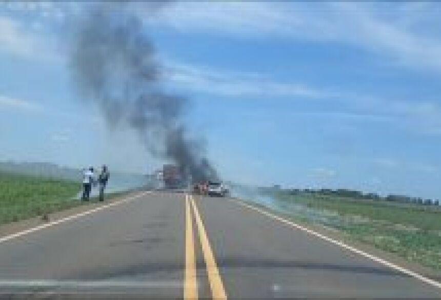 os assaltantes estão tentando fugir para o Paraguai