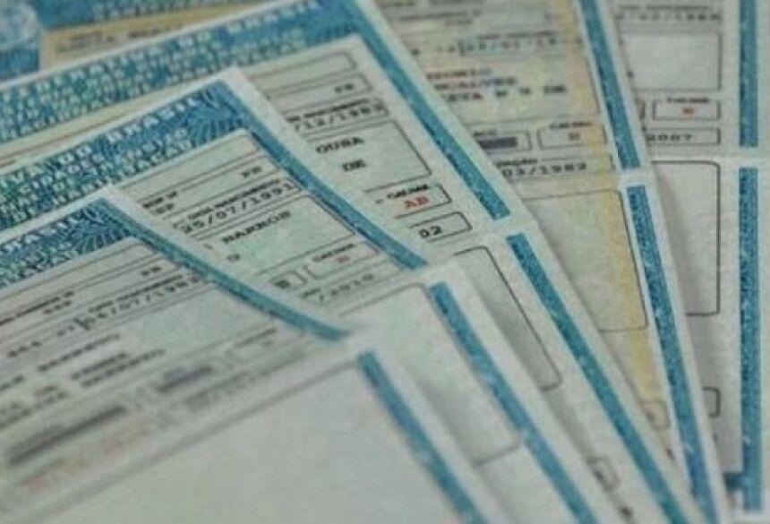 Além do dinheiro, os estelionatários pedem o envio de números de documentos, assinaturas e até as digitais do candidato.