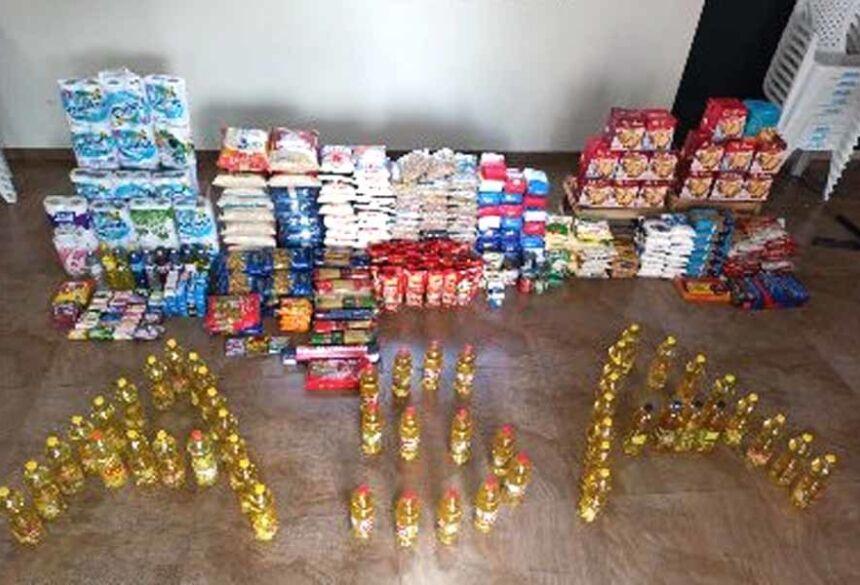 Foram arrecadados 505 itens, entre alimentos e material de limpeza