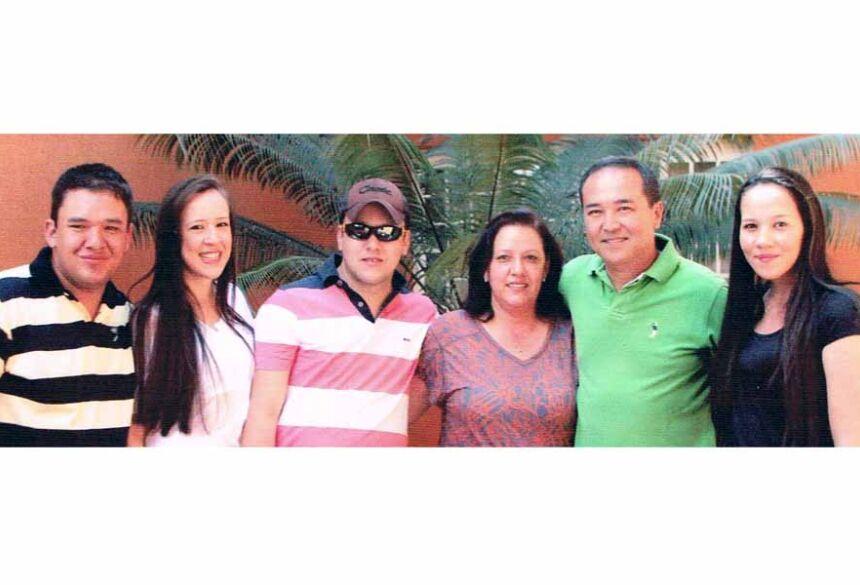 Dirceu Deguti com sua familia (imagem: arquivo de familia)