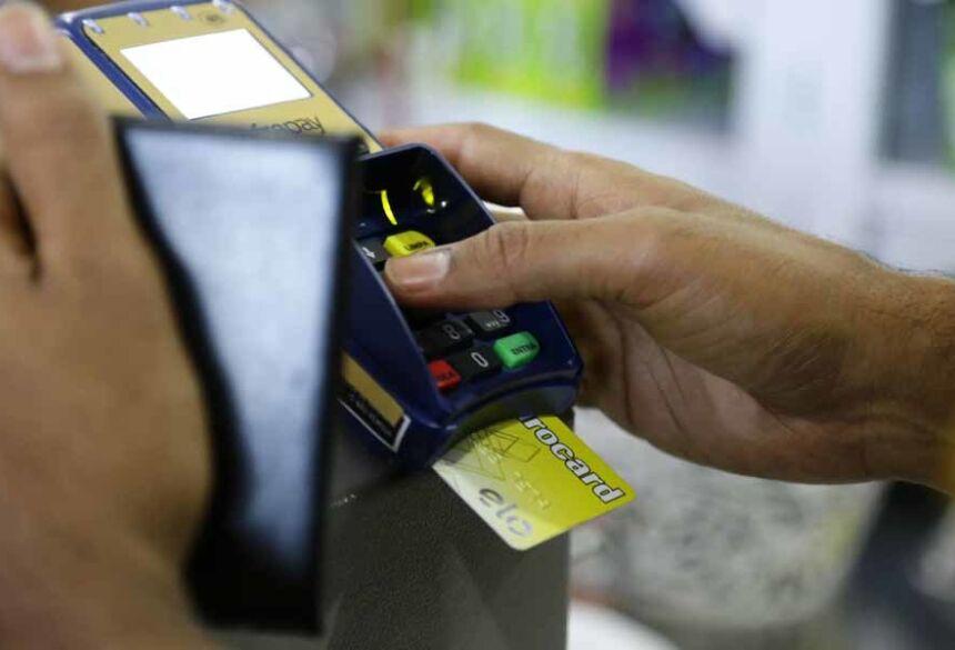 Dívidas com cartões de crédito são as principais causas da inadimplência dos consumidores   Foto: Leonardo de França, Midiamax
