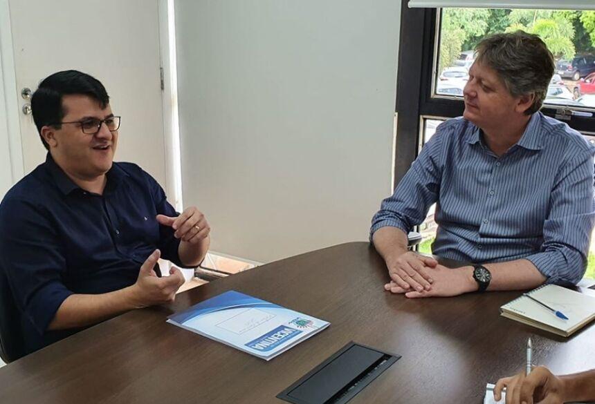 Prefeito se reúne com secretário para tratar das novas indústrias que serão instaladas em Vicentina