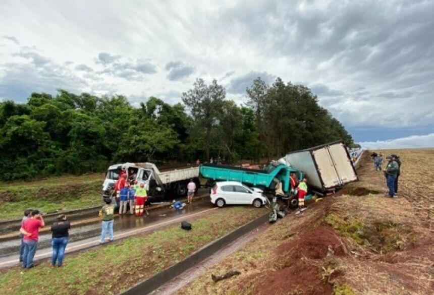 Elson Carlos 34 anos, primeiro motorista a ser resgatado das ferragens teve fratura aberta