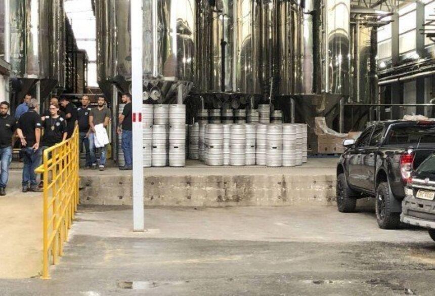 Além do recall das cervejas, a comercialização dos rótulos produzidos pela Backer está suspensa até que seja descartada a possibilidade de contaminação dos produtos. Foto: Uarlen Valério/O Tempo / Agência O Globo