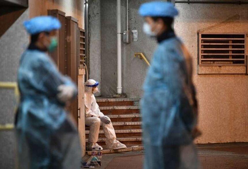 "O presidente chinês, Xi Jinping, pediu ""mais medidas decisivas"" para conter a epidemia. (foto: Anthony WALLACE / AFP)"