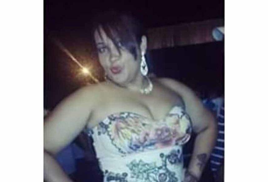 A mulher foi assassinada na frente de seus três filhos, sendo duas adolescentes e um menino de 8 anos.