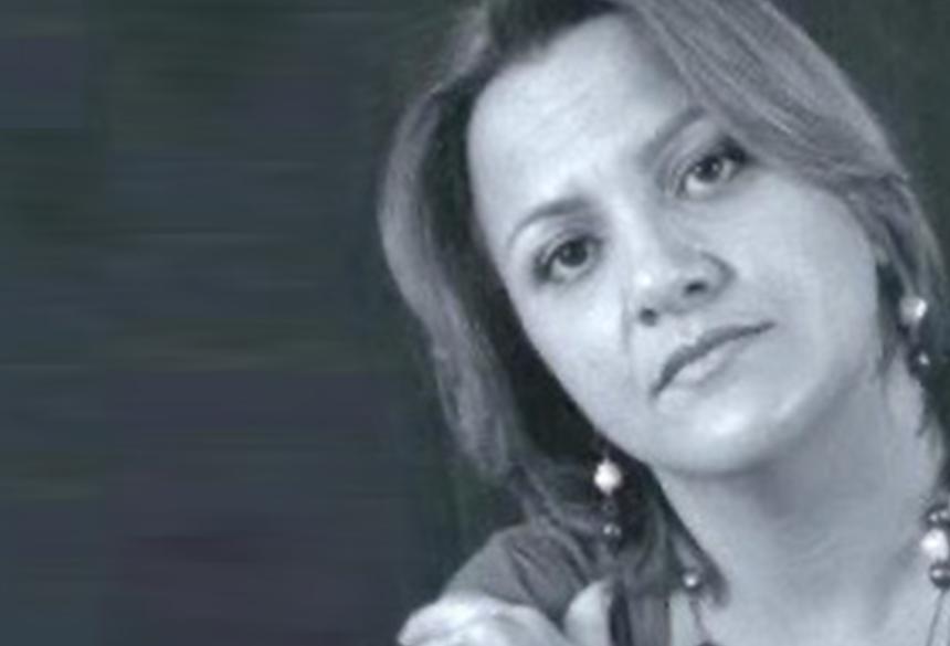 Marilza não é vista pela família desde sábado (01) - Acervo da Família   (adsbygoogle = window.adsbygoogle    []).push({}); A família da professora Marilza Dias dos Santos, 47 anos, está a procura dela desde a tarde do último sábado, dia 1º de fevereiro.