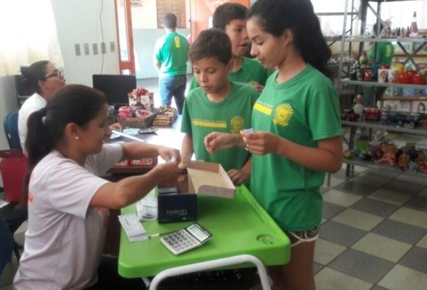 Alunos da Escola Vila Brasil (Google)