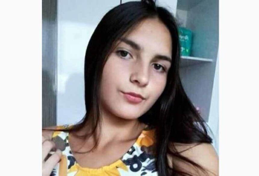 Jaqueline Iachechen Pacheco (foto), de 14 anos, foi encontrada morta