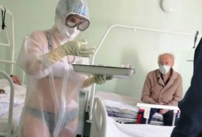A Secretaria de Saúde local repreendeu a profissional.