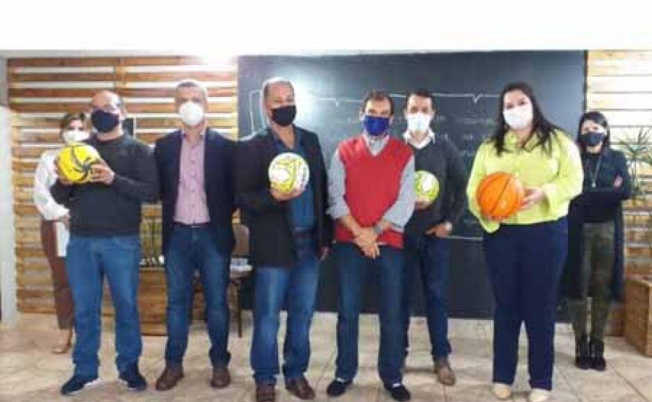 TRT 24 doa kits esportivos para Deodápolis e mais nove municípios do MS