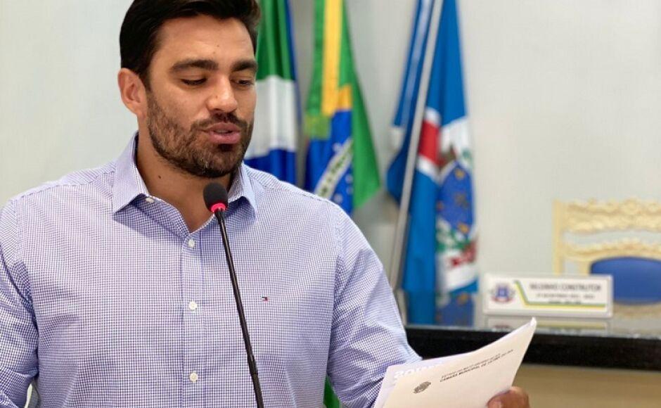 Diego Carcará protocola denúncias no Ministério Público contra a Energisa em Fátima do Sul