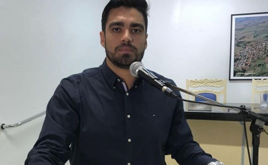 Diego Carcará reivindica por término de pavimentação asfáltica em diversas ruas de Fátima do Sul