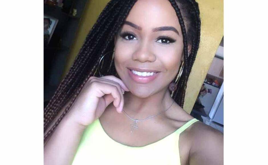 Jovem morre afogada após chamar amiga para tirar 'selfie' em cachoeira