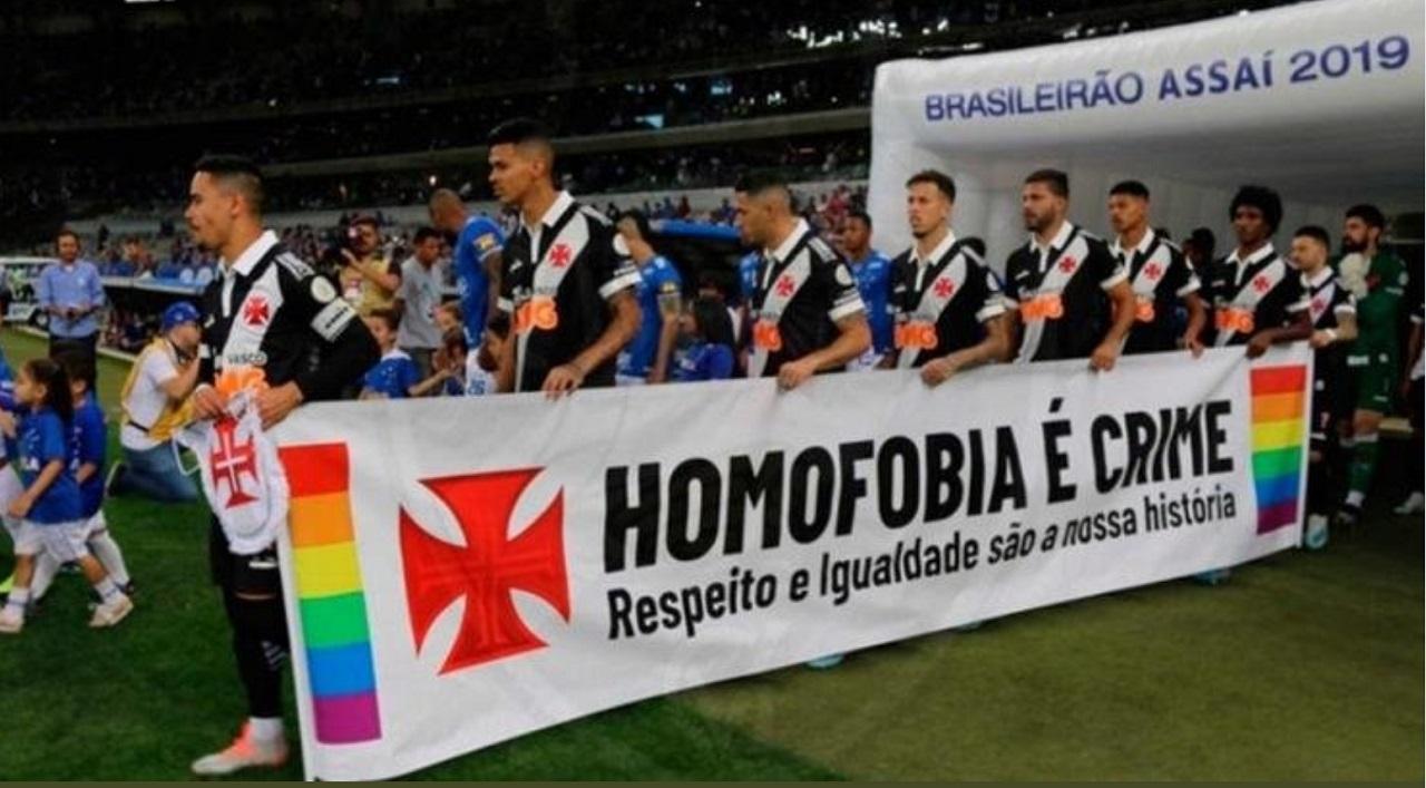 Em uma campanha coletiva nas redes sociais, equipes do futebol brasileiro se unem contra a homofobia.