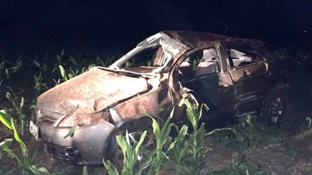 Condutor perdeu o controle do ve�culo e capotou - O Correio News