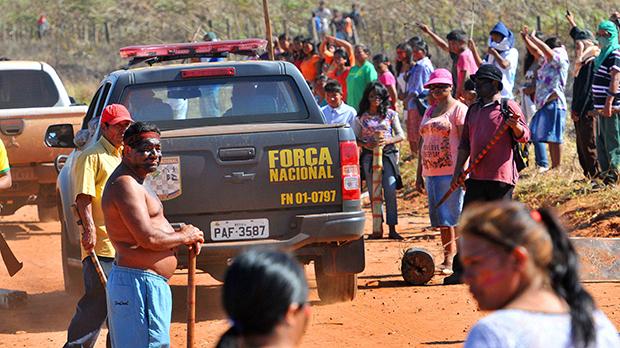 Força Nacional esteve na Fazenda Yvu, onde índio morreu em confronto com fazendeiros - Valdenir Rezende/Correio do Estado