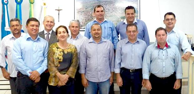 Na imagem, os 11 vereadores que compõem a Câmara de Vereadores de Fátima do Sul - Foto: Arquivo / SiligaNews