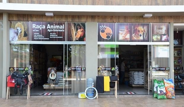 Campanha febre aftosa começa nesta terça e a Raça Animal já tem vacinas em Vicentina e FÁTIMA DO SUL