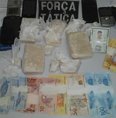 FOTO: FÁTIMA NEWS - Drogas apreendidas pela Força Tática