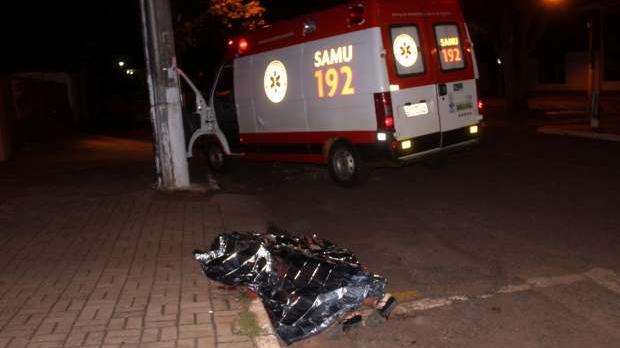 Travesti foi morta a facadas em Dourados na madrugada desta quarta - Foto: Osvaldo Duarte