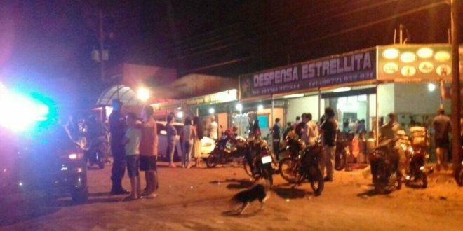 O fato aconteceu na noite de sábado (18), quando a família estava em frente ao comércio na cidade de fronteira- Foto:Porã News
