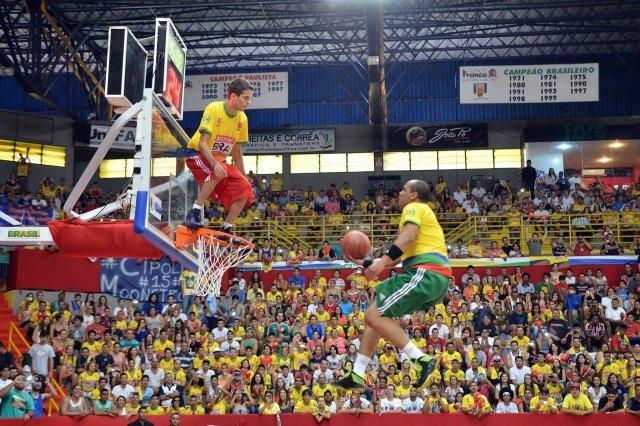 JATEÍ inicia neste sábado Campeonato de Futsal com atrações dos Ginasloucos