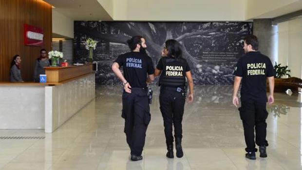 Polícia Federal chega à sede da Construtora Odebrecht, na 23ª fase da Operação Lava Jato Rovena Rosa/Arquivo Agência Brasil