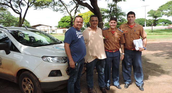 Promoter Pércio, Presidente da Câmara Márcio Teles, Capitão Pablo e Sargento da Coorporação de Ivinhema em visita ao Parque de Exposições.