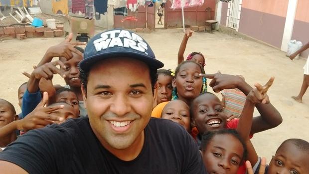 FATIMASSULENSE entra para a história como o primeiro a pisar em terras Angolanas, Veja a Entrevista