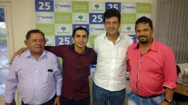 Vereador Antônio Tertuliano, Vereador Juninho Lima, Deputado Federal Henrique Mandetta e Secretário de Educação, Adriano Pimentel