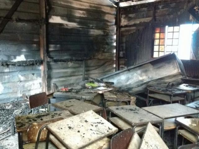Salas foram adaptadas em escola para não interromper ano letivo de 120 alunos prejudicados (Foto: Yarima Mecchi)