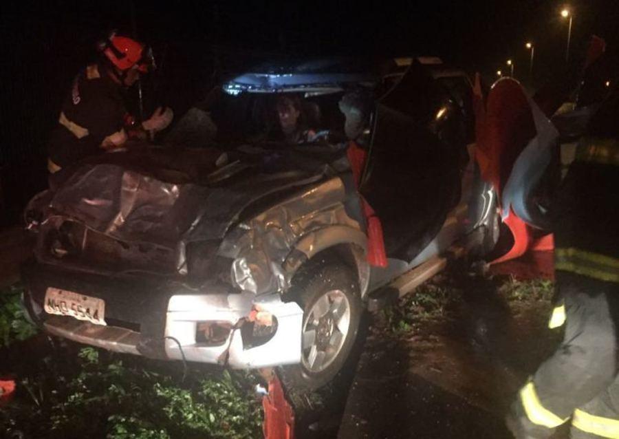 Caminhonete GM S-10, ocupada por casal de Ivinhema, teve danos de grande monta - Imagem: WhatsApp / Nova News