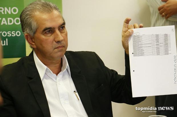 FOTO: TOP MÍDIA NEWS - Reinaldo mostra que reduziu isenções à JBS