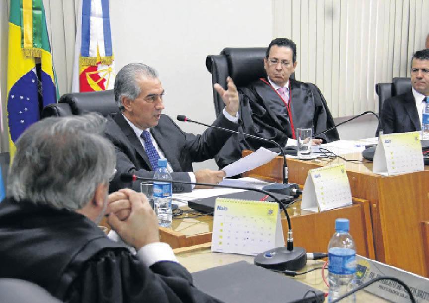 Azambuja participa da reunião do colégio de conselheiros do MPE para falar das denúncias da JBS - Foto: Álvaro Rezende/Correio do Estado