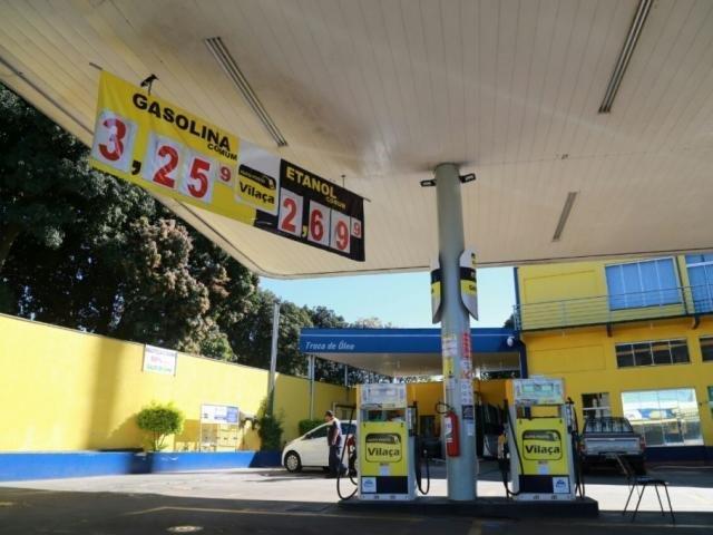 Preço da gasolina caiu para R$ 3,25 em posto da Capital (Foto: Alcides Neto)
