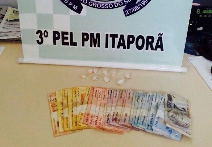 Droga e dinheiro apreendidos. Fotos: Divulgação/PM