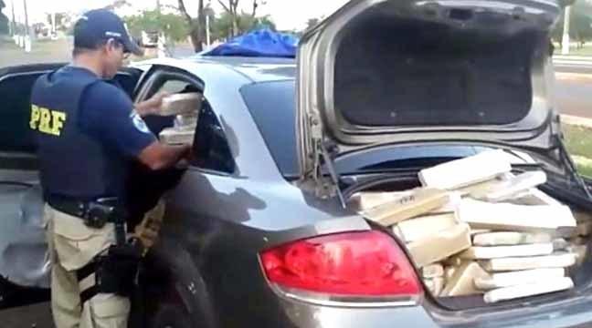 PRF apreende 90 kg de maconha e prende dois em Ponta Grossa
