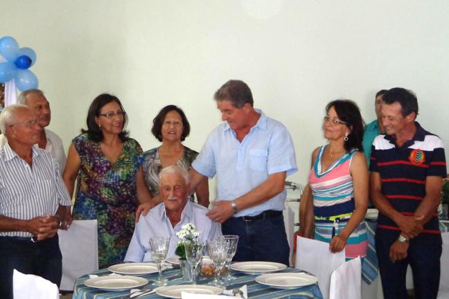 Aniversário de 105 anos em 2013 (foto facebook)