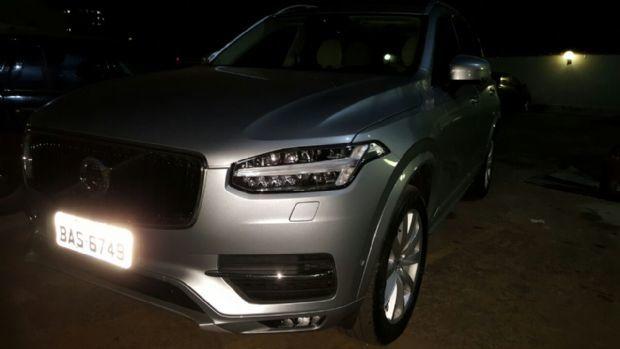 Meio campista do Luverdense é preso com carro de luxo furtado