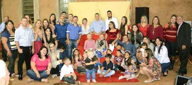 Para a comemoração vieram parentes de Rondonia, São Paulo, Minas Gerais e várias cidades do Estado de MS. (Fotos: Adélio Ferreira)