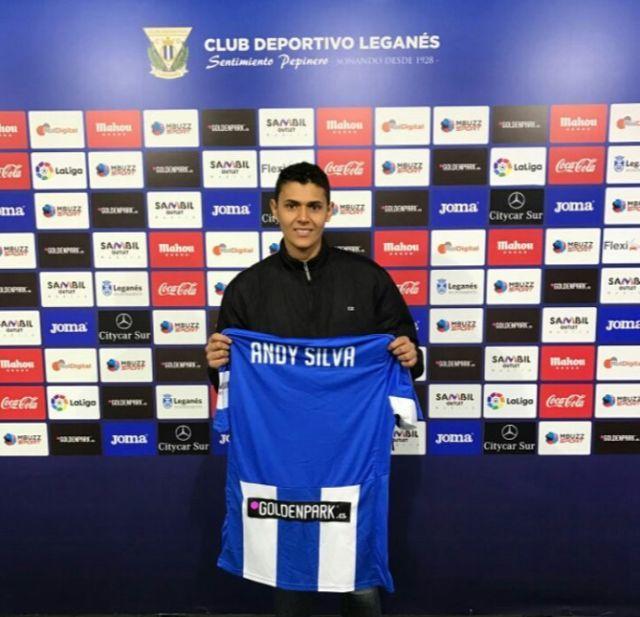 Anderson Silva se aposentou em maio, depois de defender o Leganés, da Espanha (Arquivo pessoal)