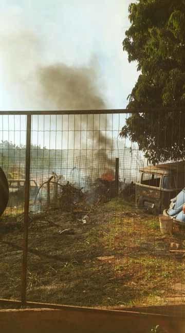 Carreta pipa dos Bombeiros foi acionada - Mariane Chianezi/Correio do Estado