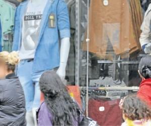 Prolongamento da crise econômica derrubou o consumo entre as famílias sul-mato-grossenses e aumentou a inadimplência - Paulo Ribas/Correio do Estado