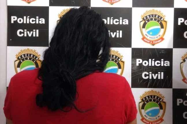 Mulher foi presa após agredir a mãe - Foto: Osvaldo Duarte
